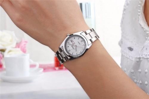 นาฬิกา WWOOR สีเงิน หรูหรา คุณภาพเยี่ยม