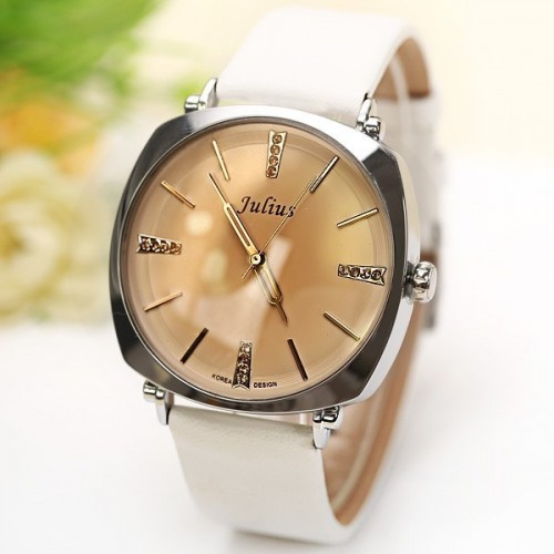 นาฬิกา Julius คุณภาพดี สีขาว สวย ดูดี มากๆ