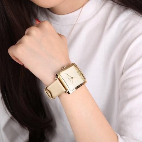 นาฬิกาสีทอง จาก Julius หน้าปัดเหลี่ยมสวยมาก หรูดูดีสุดๆ