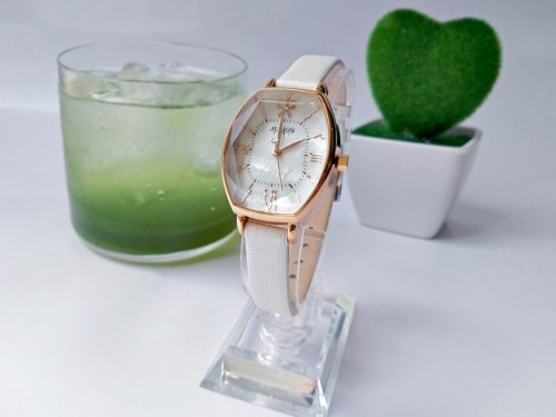 นาฬิกา Julius สายหนัง สีขาว ดีไซน์หน้าปัดและกระจกสวยหรูมากๆ สไตล์เกาหลี
