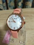 นาฬิกา KEZZI สายหนังสีชมพู หน้าปัดลายมุก สวยเรียบ ลงตัว
