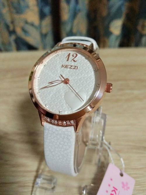 นาฬิกาสายสีขาว KEZZI ลายหน้าปัดรูปหัวใจ สวยน่ารักมาก