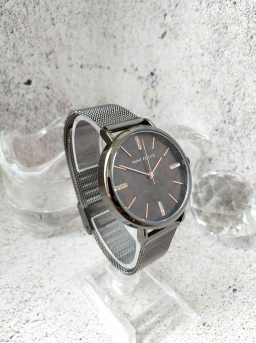 นาฬิกา Mini Focus สีเทาดำ ดีไซน์เรียบหรู คลาสสิค ดูมีระดับ