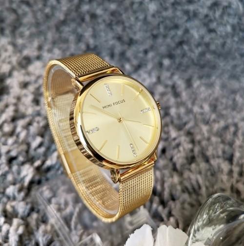 นาฬิกา Mini Focus สีทอง ดีไซน์เรียบหรู คลาสสิค ดูมีระดับ