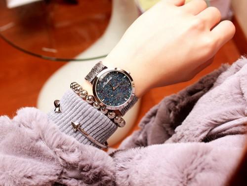 นาฬิกา Mashali หน้าปัดเขียวน้ำเงินระยิบระยับ พร้อมสายสีเงิน สวยหรู