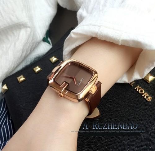 นาฬิกาสีน้ำตาล จาก GUOU หน้าปัดเหลี่ยมขอบมน สวยลงตัวมากๆ