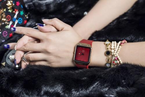 นาฬิกาสายยางเกรดพรีเมียม ยี่ห้อ GUOU สีแดง เรียบหรูมาก