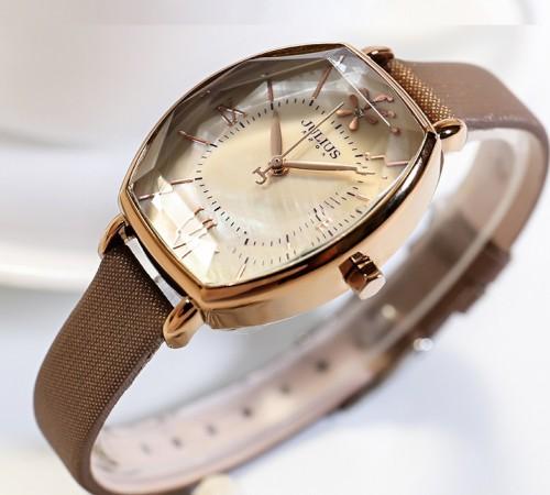 นาฬิกา Julius สายหนัง สีน้ำตาล ดีไซน์หน้าปัดและกระจกสวยหรูมากๆ