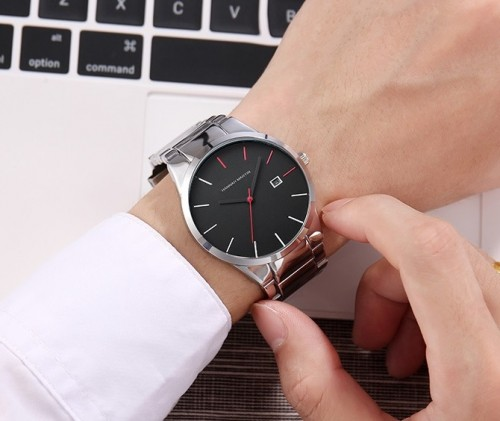 นาฬิกา Hannah Martin สายสีเงิน หน้าปัดดำ สไตล์ minimalist