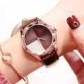 นาฬิกาแบรนด์ GUOU สีน้ำตาลสายหนัง หน้าปัดสวยมีเสน่ห์