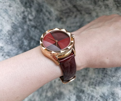 นาฬิกาแบรนด์ GUOU สีแดงสายหนัง หน้าปัดสวยมีเสน่ห์