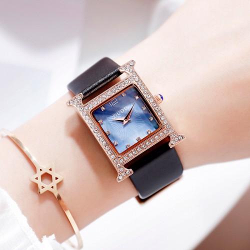 นาฬิกา GUOU หน้าปัดทรงเหลี่ยม ประดับขอบเพชร พื้นมุขสีฟ้า