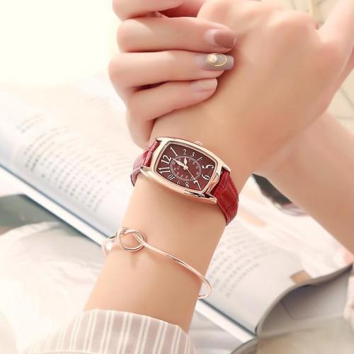 นาฬิกาสายหนัง GUOU สีแดงสวย งานคุณภาพดี