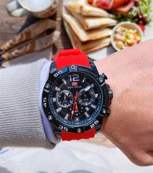 นาฬิกา Mini Focus รุ่นสายยางสีแดงสดสุดเท่ห์ หน้าปัดดำสวยโดดเด่น