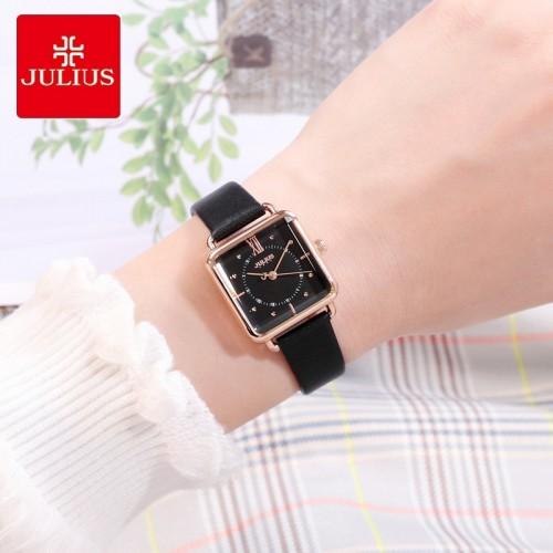 นาฬิกา Julius สายหนังแท้สีดำ ดีไซน์สวยลงตัว