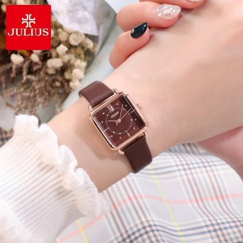 นาฬิกา Julius สายหนังแท้สีน้ำตาล ดีไซน์สวยลงตัว
