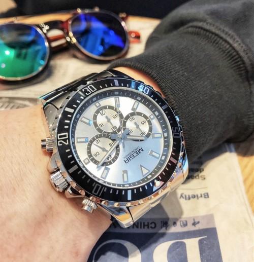 นาฬิกา MEGIR งานพรีเมียมหน้าปัดเงินขอบดำ สายสแตนเลส หรูสุดๆ