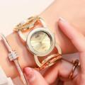นาฬิกา G&D สีทอง สวยหรูดีไซน์มีเอกลักษณ์