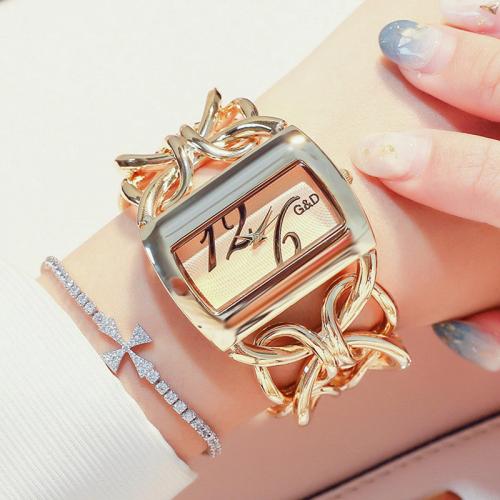 นาฬิกายี่ห้อ G&D สีทองสวยมาก โดดเด่นพร้อมใส่ออกงาน
