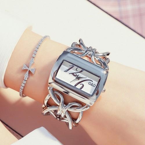นาฬิกายี่ห้อ G&D สีเงินสวยมาก โดดเด่นพร้อมใส่ออกงาน