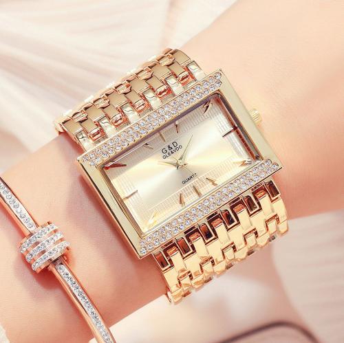นาฬิกา G&D สุดหรูสีทองทั้งตัวเรือนและสาย สวยงามมาก